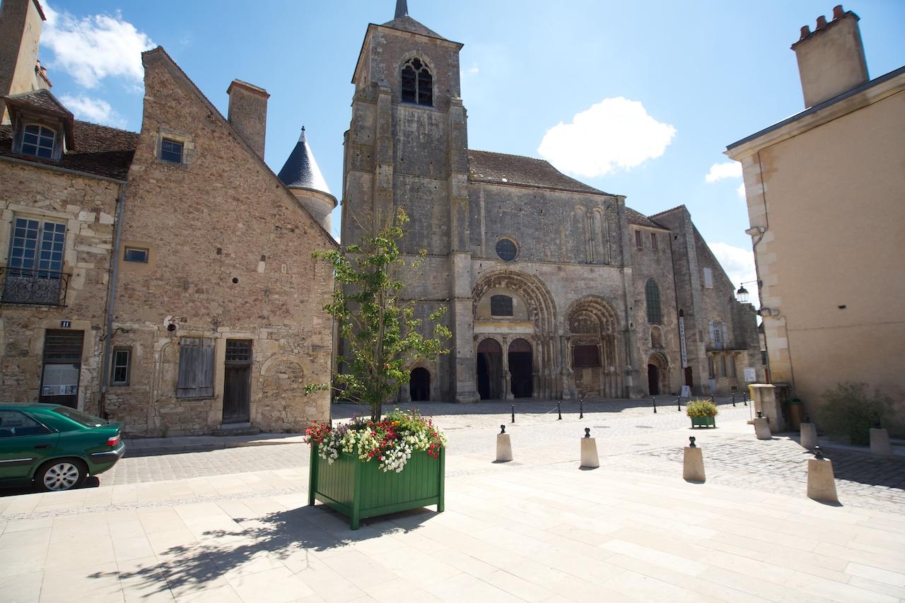 915Avallon, Saint-Lazare